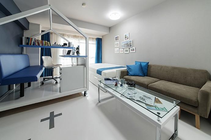 クリエイティブな職業の方向けマンション/可動する書斎のあるお部屋 (リビング)