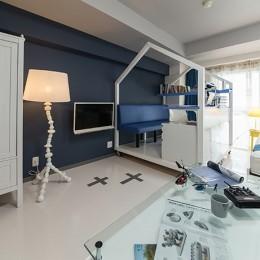 クリエイティブな職業の方向けマンション/可動する書斎のあるお部屋
