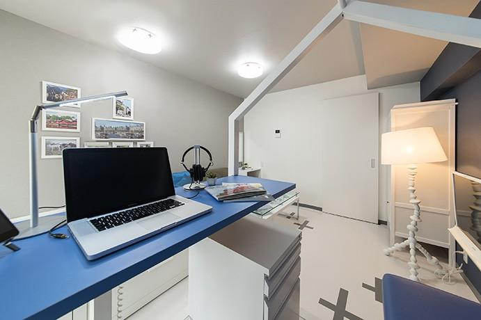 クリエイティブな職業の方向けマンション/可動する書斎のあるお部屋 (書斎)