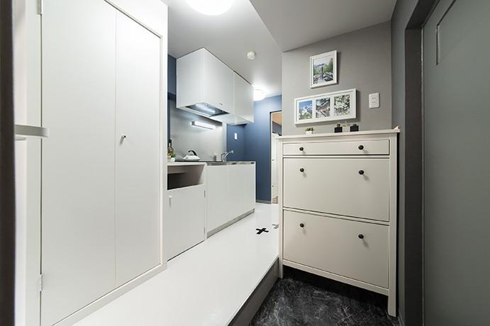 クリエイティブな職業の方向けマンション/可動する書斎のあるお部屋 (玄関)