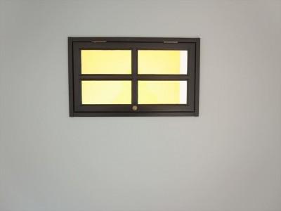 室内窓 (ミッドセンチュリースタイル)
