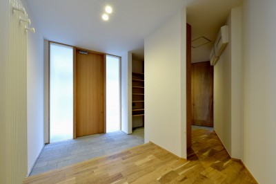 玄関1 (『往生地の家』)