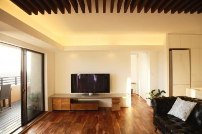 オリジナル家具 (造作テレビボード) (澄み切った家)