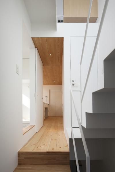 池上の家の部屋 階段室