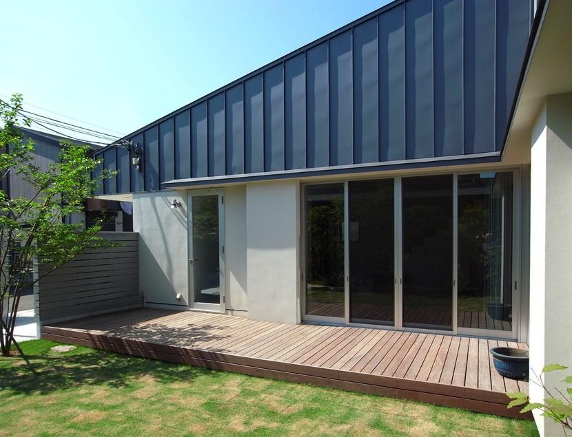 辻堂の家 (中庭・テラス)