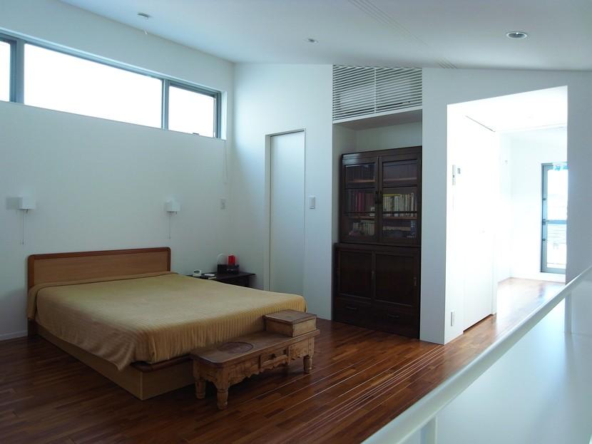 辻堂の家 (2階主寝室)