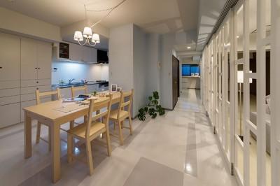 仕事を持つカップルのための分譲マンション/間取りを楽しめる北欧空間 (キッチン・ダイニング)