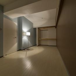 仕事を持つカップルのための分譲マンション/間取りを楽しめる北欧空間 (ベッドルーム)