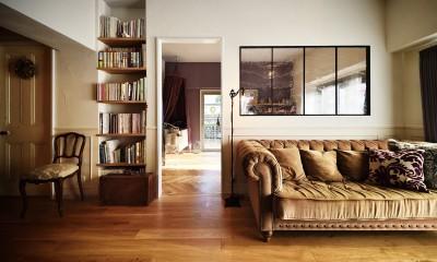 アンティーク家具と調和するリビング (アンティーク家具が似合う部屋)