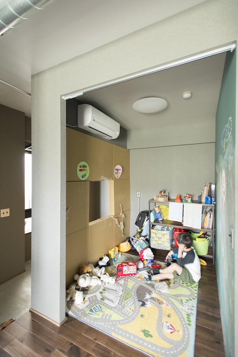 至る所が子供の遊びな家 (自分だけのスペース)