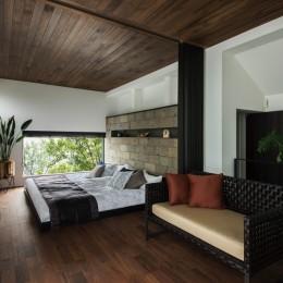 非日本的な家 (ホテルライクな寝室)