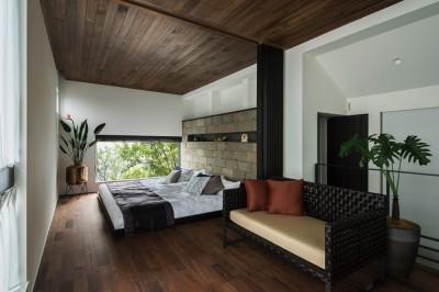 ホテルライクな寝室 (非日本的な家)