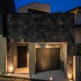 非日本的な家 (外観)