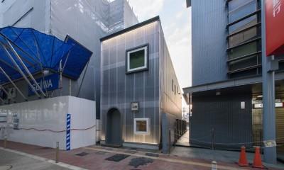 光のグラデーションハウス/照明で浮かび上がる店舗付き住宅