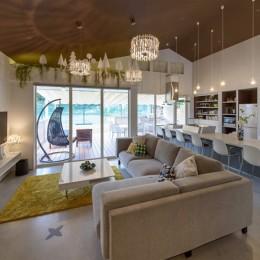 Holiday Villa Gran Suite/三角屋根の長期滞在型ヴィラ(ホテル)