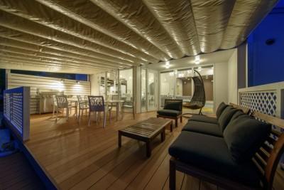 テラス (Holiday Villa Gran Suite/三角屋根の長期滞在型ヴィラ(ホテル))