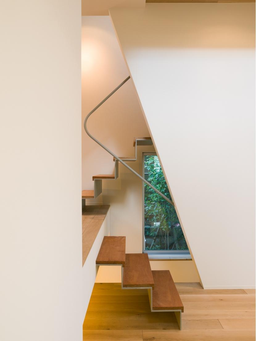 みどりのいえの部屋 階段