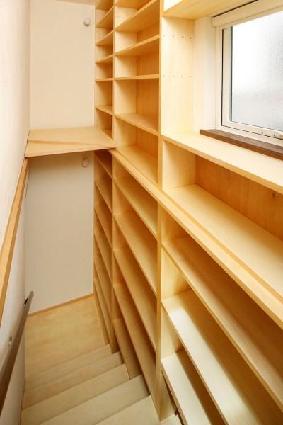 階段 (本の家)