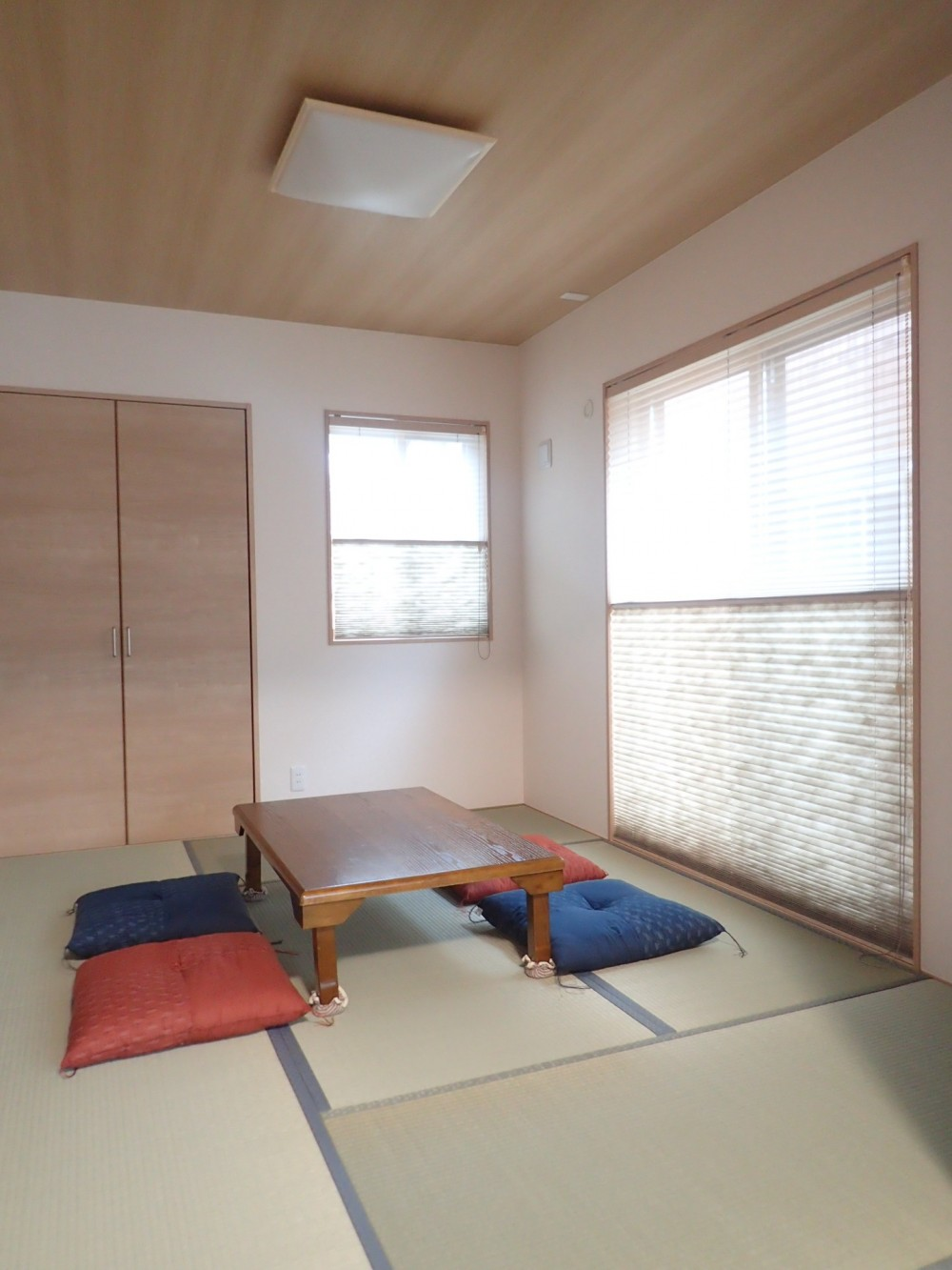 小屋裏収納付きモダンテイストなお家 (和室)