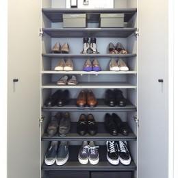 RE : Apartment UNITED ARROWS LTD. CASE003 / PLAN A (靴箱)