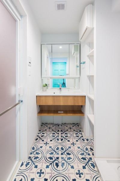 洗面室 (OCEAN STYLE RENOVATION~都心でカリフォルニアの開放感と海を感じるリノベーション~)