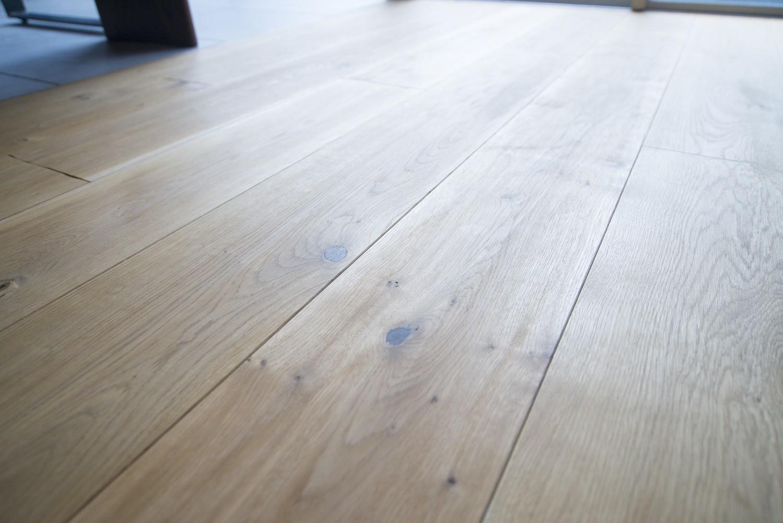 その他事例:床(素材と質感にこだわった表情豊かな空間)