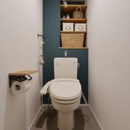 M邸_アンティークをスパイスに (トイレ)
