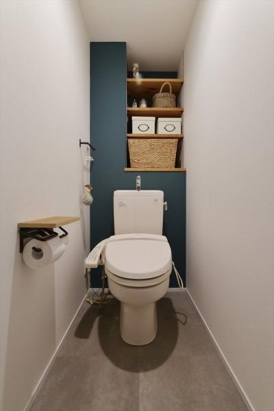 トイレ (M邸_アンティークをスパイスに)
