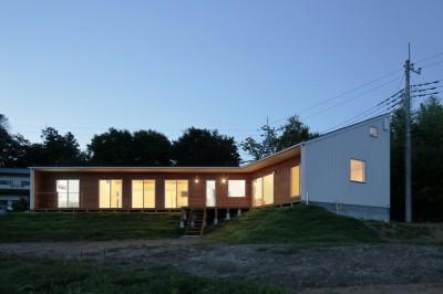 丘の上の家 (外観5)