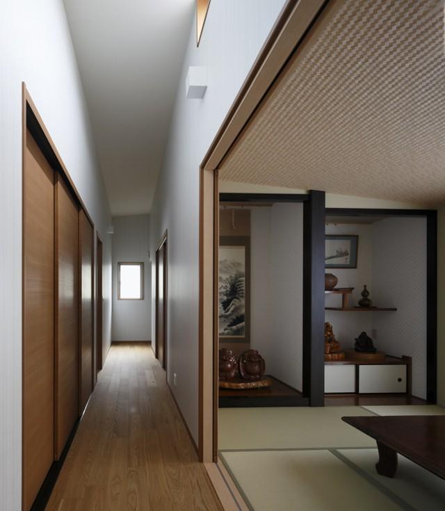青い門形平屋の家 (内観6)