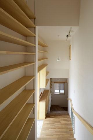 本棚階段のお家 (内観5)