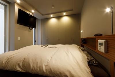 寝室 (la cuna-リノベーションなの?コンパクトなリビング・ダイニングを使いやすくする新しい提案)