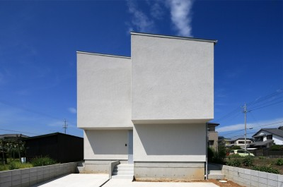 外観 (カフェスタイルのオープンスペースがある家。「理想を忘れなかったから生まれた空間です。」)