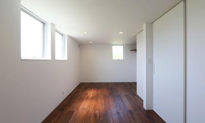 カフェスタイルのオープンスペースがある家。「理想を忘れなかったから生まれた空間です。」 (洋室)