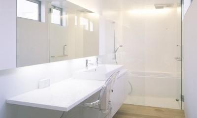 橋本の住宅 (2階洗面・浴室)