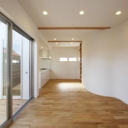 オブジェのような美しい曲線の家。『他にはないカッコいい家』は機能性もしっかり。