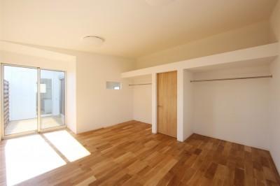 子供部屋 (オブジェのような美しい曲線の家。『他にはないカッコいい家』は機能性もしっかり。)