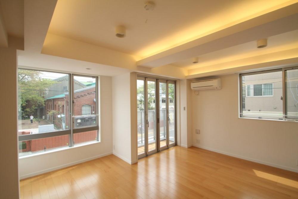 大人の空間をつくる「間接照明」コーブ照明/コーニス照明のある家 (間接照明・コーニス照明)