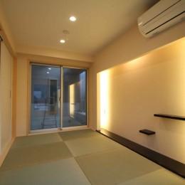 大人の空間をつくる「間接照明」コーブ照明/コーニス照明のある家
