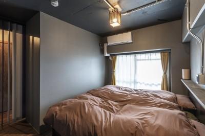 ベッドルーム (和スタイルな防音室がある家)