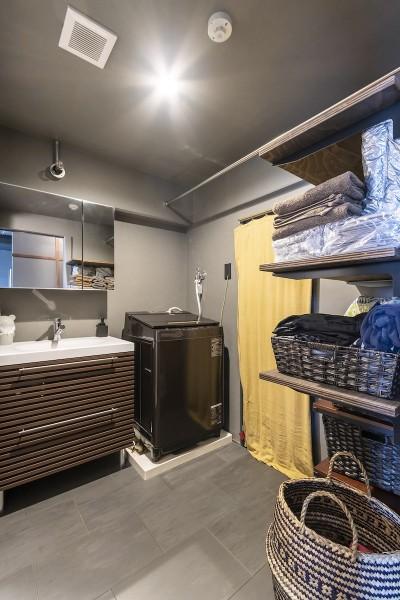 洗面スペース (和スタイルな防音室がある家)