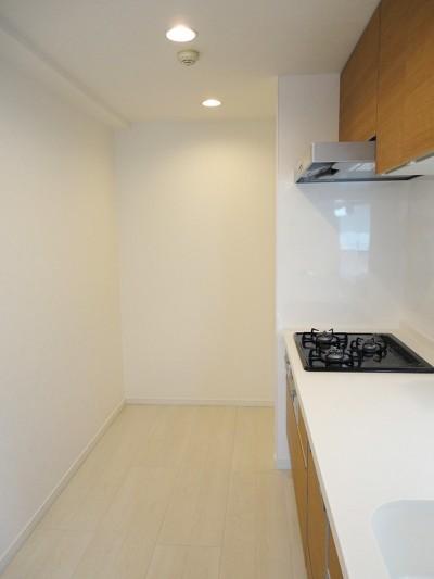 純和室のある住まい (キッチン)