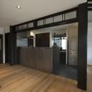 アレルギー反応を持つ子供が住むための和モダン住宅/美しい空気の家の写真 キッチン