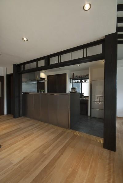キッチン (アレルギー反応を持つ子供が住むための和モダン住宅/美しい空気の家)