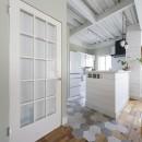 西海岸仕立ての鉄骨戸建てリノベの写真 キッチン