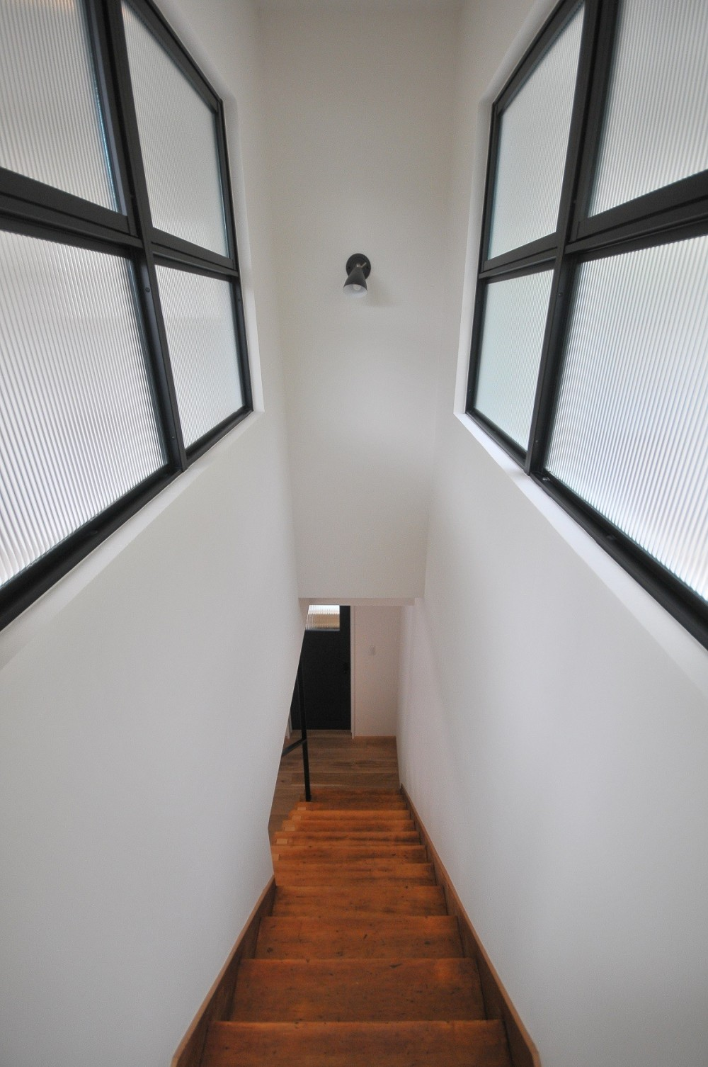 住み慣れた築43年の実家をフルリノベーション (階段)