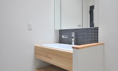 住み慣れた築43年の実家をフルリノベーション (洗面室)