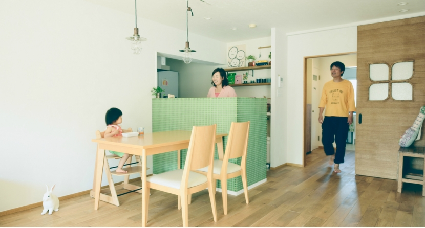 リノベーション / Leafの部屋 キッチンの緑が映えるダイニングスペース