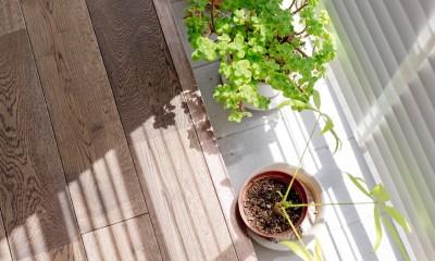 長方形を楽しむ。シンプル&グリーンの暮らし (インナーバルコニー)
