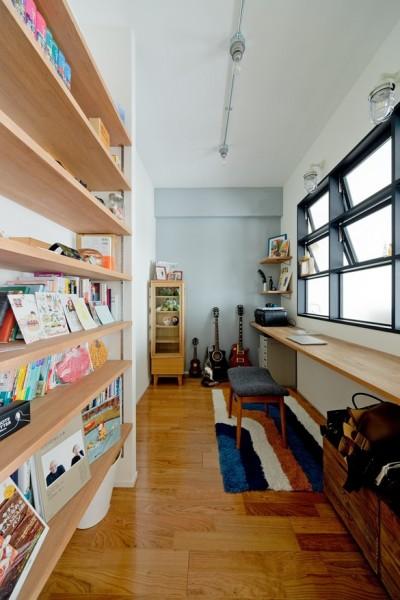 書斎 (優しい色に包まれて)